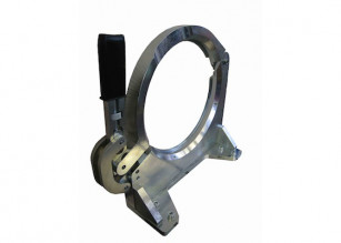 Outer base clamping devices